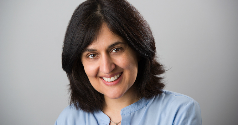 Foto di Shamim Sarif autrice di Athena Protocol